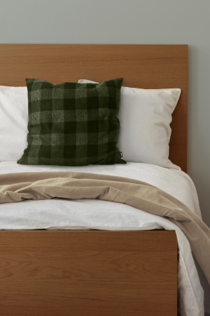 100080U - Square cushion